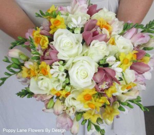rose orchid jonquil freesia bouquet_bg