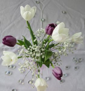 table centrepiece tulip_bg